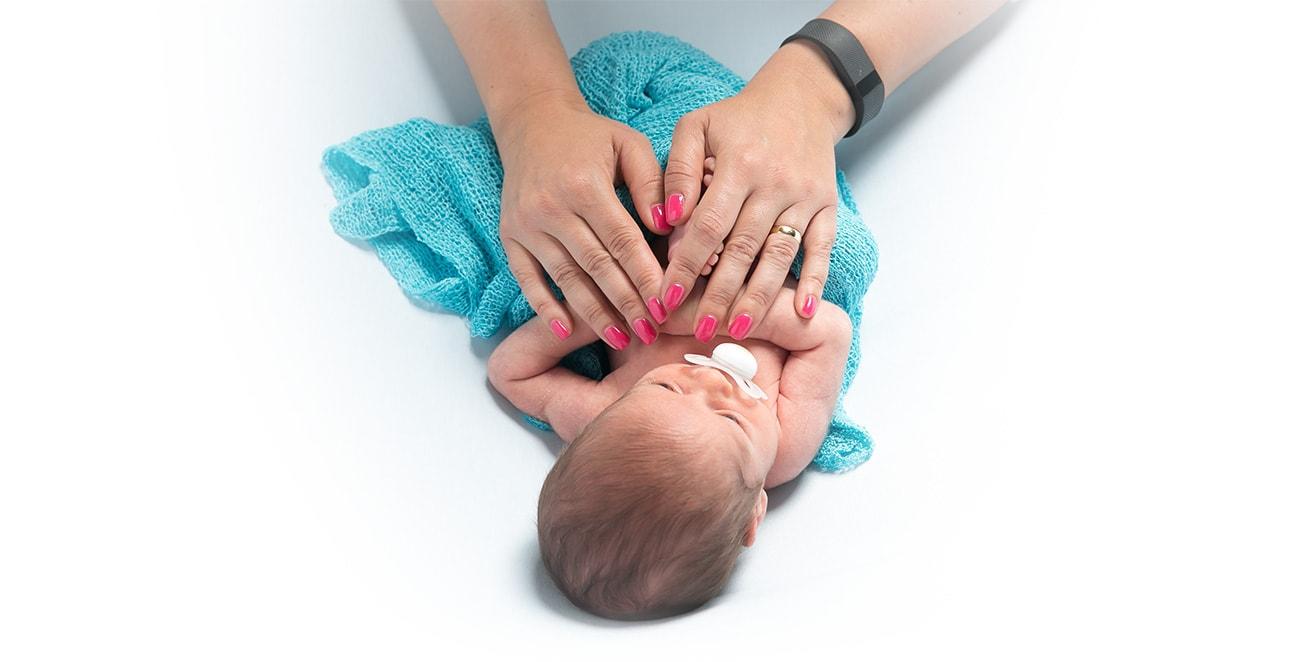 Sesión de foots de recién nacido por Viéndote Crecer Fotografía Infantil Creativa