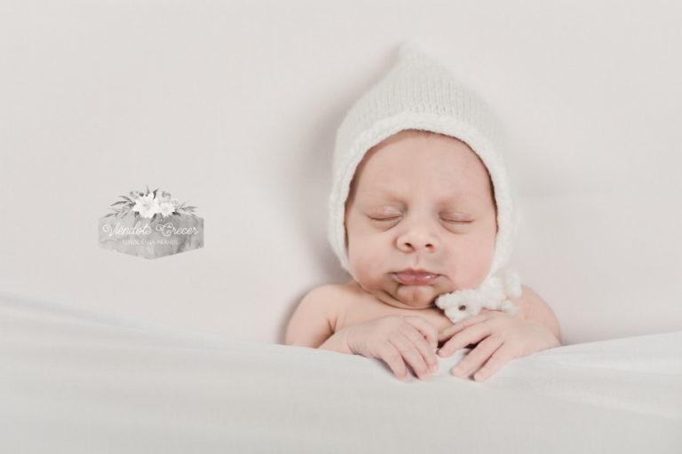 Sesión de fotos creativas de recién nacido Iago de Arteixo