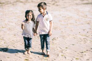 La sesión de abuelos en la playa con Enriqueta y sus peques