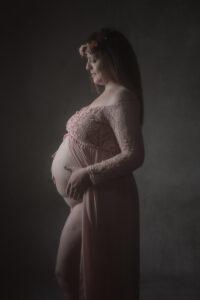 Las fotos de premamá originales de María José, una preciosa sesión de embarazo en estudio.