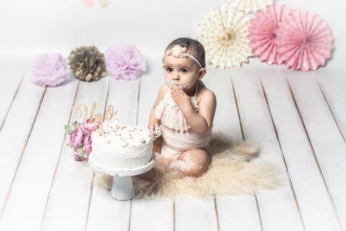 Sesion de fotos de Smash Cake por Viéndote Crecer Fotografía Infantil en la Costa da Morte